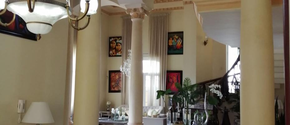 Cacicazgos,3 Bedrooms Bedrooms,7 BathroomsBathrooms,Casa,2072
