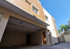 Bella Vista,3 Bedrooms Bedrooms,3 BathroomsBathrooms,Casa,1620
