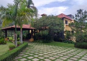 5 Bedrooms Bedrooms,5 BathroomsBathrooms,Villa,1669