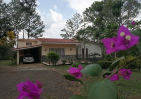 Sajoma,3 Bedrooms Bedrooms,3 BathroomsBathrooms,Villa,1737