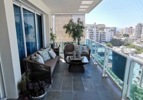 Evaristo Morales,3 Bedrooms Bedrooms,3.2 BathroomsBathrooms,Penthouse,1784
